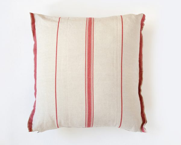 Mungo-Lisburn-Linen-Cushion-02